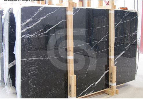 negro-marquina-commercial-slabs
