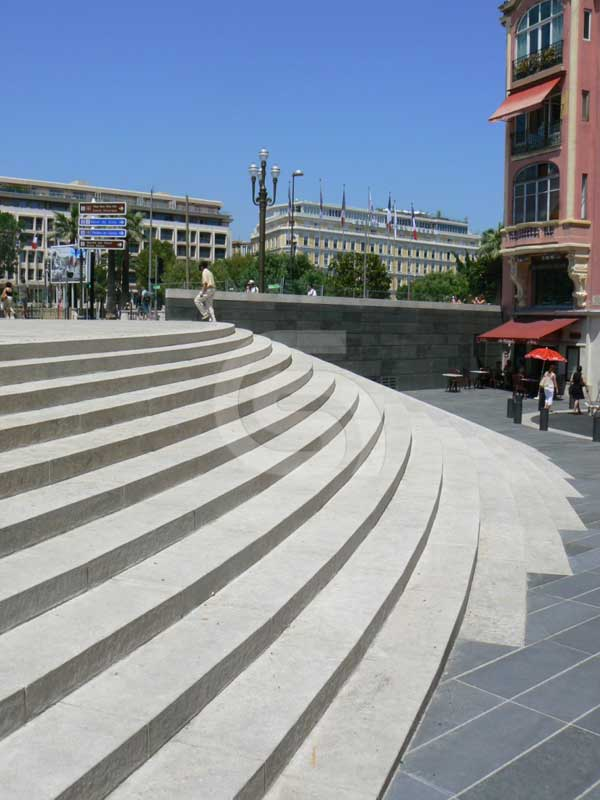 Portuguese limestones flamed steps