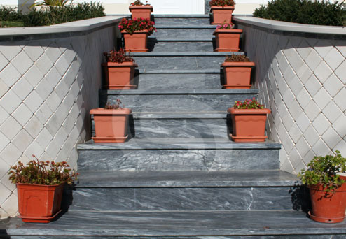 azul-lagoa-dark-marble-staircases