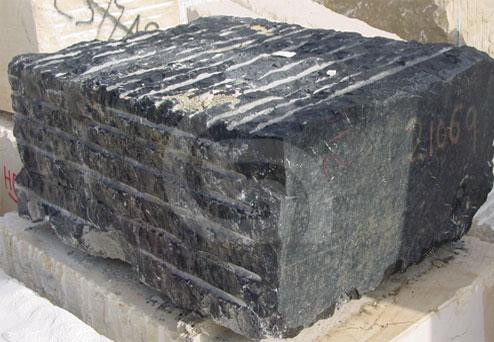 negro-marquina-marble-block